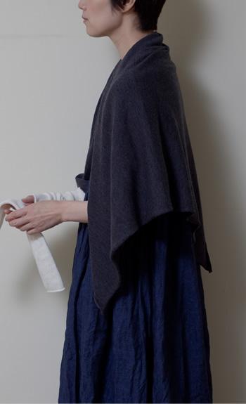 stole100% cashmere / black, gray, white