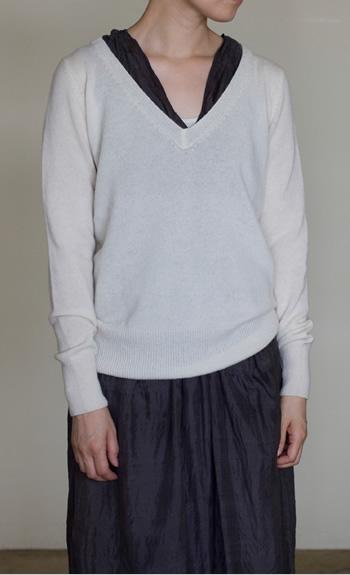 V-neckCashmere / black, white