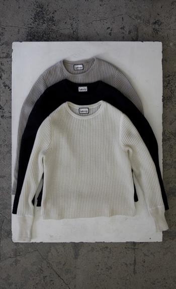 thermel / Cashmere / white, navy, gray / size M 85,000 yen / size L 90,000 yen
