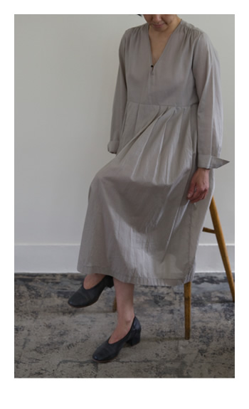 lawn one piece / Cotton, Linen / gray / 42,000 yen