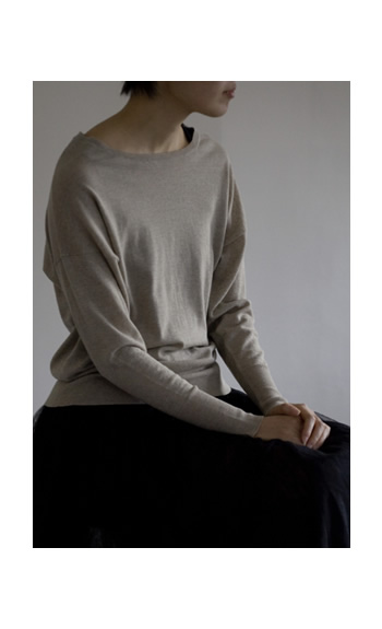 crew neck / Cotton60%, Cashmere40% / cleam, beige, black / ¥22,000 +tax