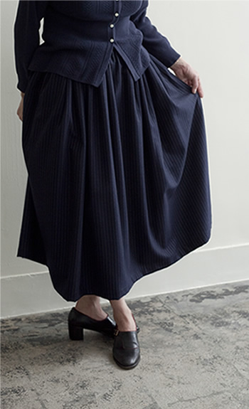 gather skirt / Wool / navy stripe / ¥42,000 +tax