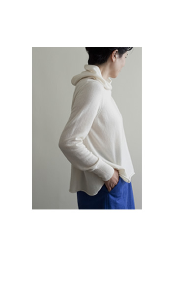 hood pullover Cashmere / off, black, mix / ¥60,000+tax pants Cotton / Wool / blue, beige / ¥39,000 +tax