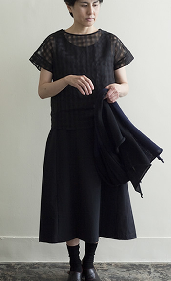 lace pullover Silk / Cotton / black / ¥25,000 +tax one piece Cotton,Cotton / Silk(side) / black / ¥31,000 +tax