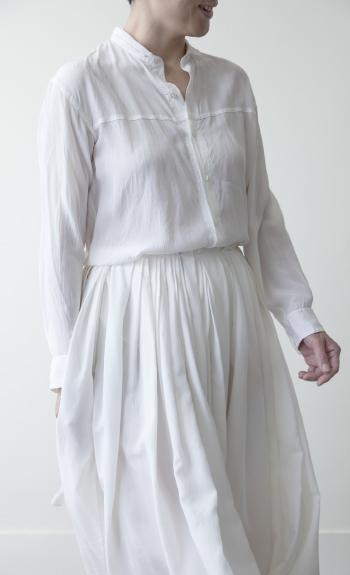 tuck skirt / Silk / white, black / ¥55,000 +tax