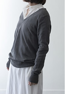 V-neck pullover Linen/gray,white,navy/30,000yen